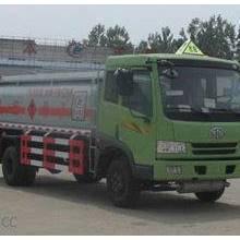供應CLW5083GJYC3型加油車